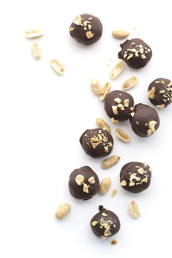 The best Low Carb Peanut Butter Cookie Dough Truffles