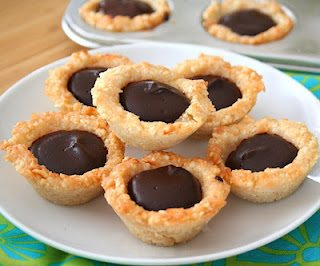 Low Carb Keto Chocolate Macadamia Tarts