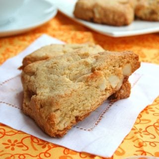 White Chocolate Macadamia Nut Scones – Low Carb and Gluten-Free