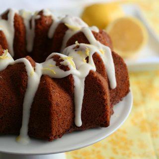 Lemon Poppyseed Bundt Cake – Low Carb and Gluten-Free