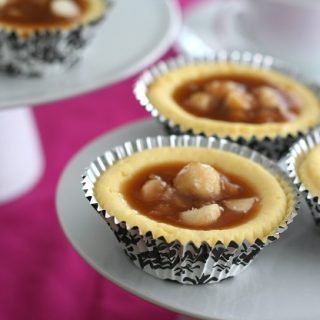 White Chocolate Macadamia Cheesecake Cups – Low Carb and Gluten-Free