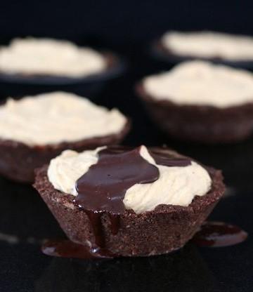 Low Carb Frozen Peanut Butter Pies @dreamaboutfood