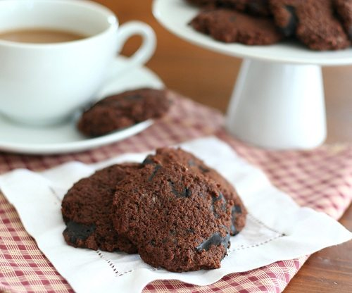 Cookies with Homemade Chocolate Chips