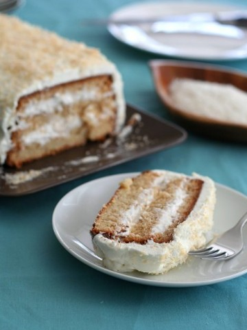 Low Carb Coconut Cake @dreamaboutfood