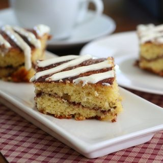 Cinnamon Roll Coffee Cake – Low Carb and Gluten-Free