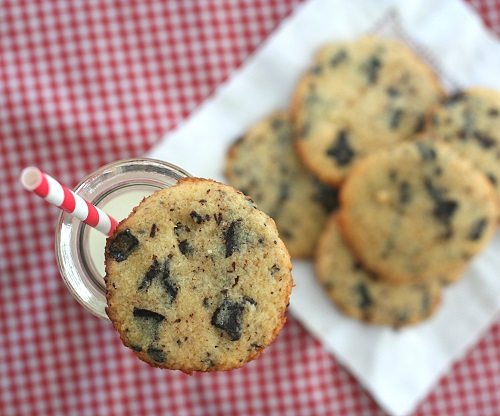 Low Carb, Gluten-Free Chocolate Chip Cookies