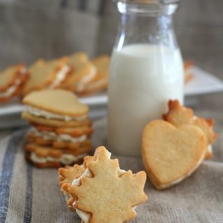 Low Carb Maple Cream Sandwich Cookies