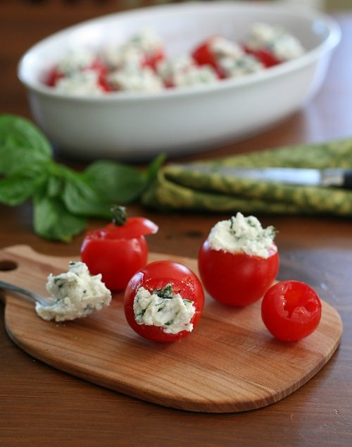 Cherry Tomatoes Stuffed with Goat Cheese, Garlic and Basil
