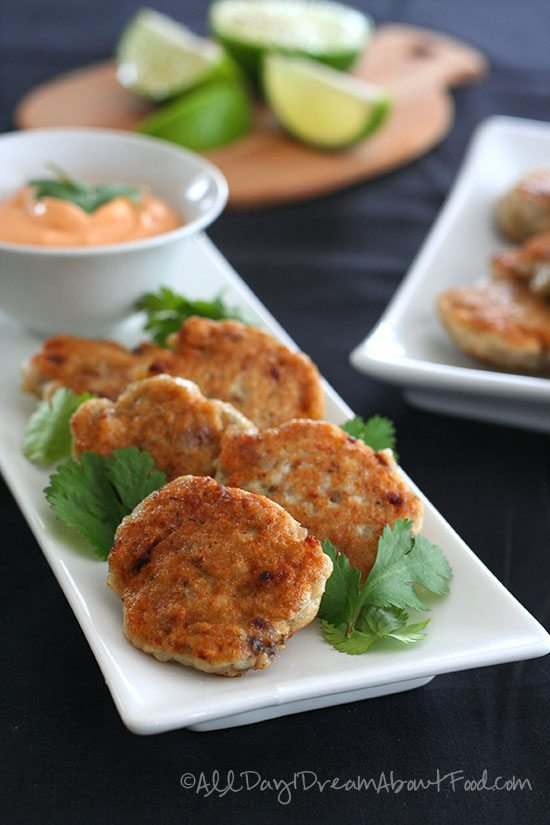 Low Carb Thai Fish Cakes With Spicy Mayo