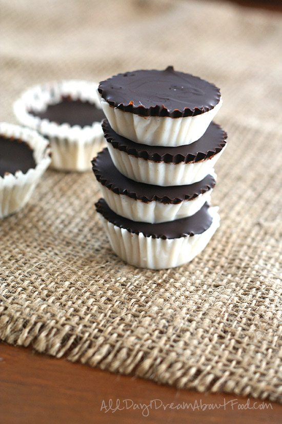 No Bake Low Carb Chocolate Coconut Cups