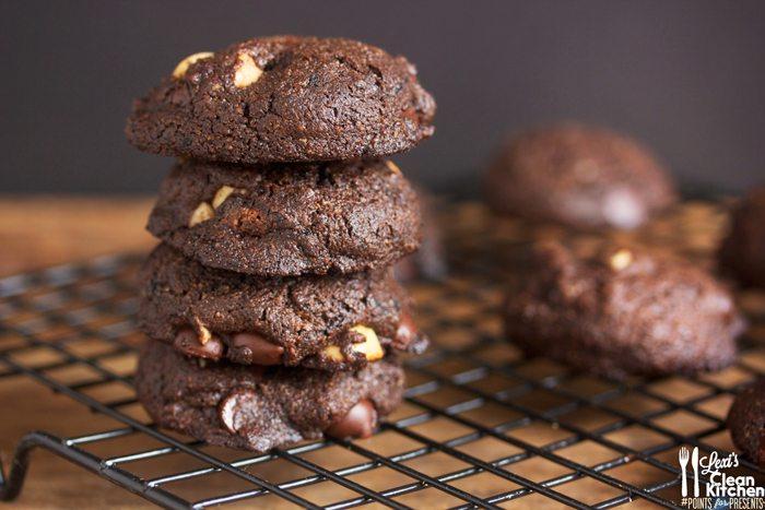 Best Dark Chocolate Macadamia Nut Cookies