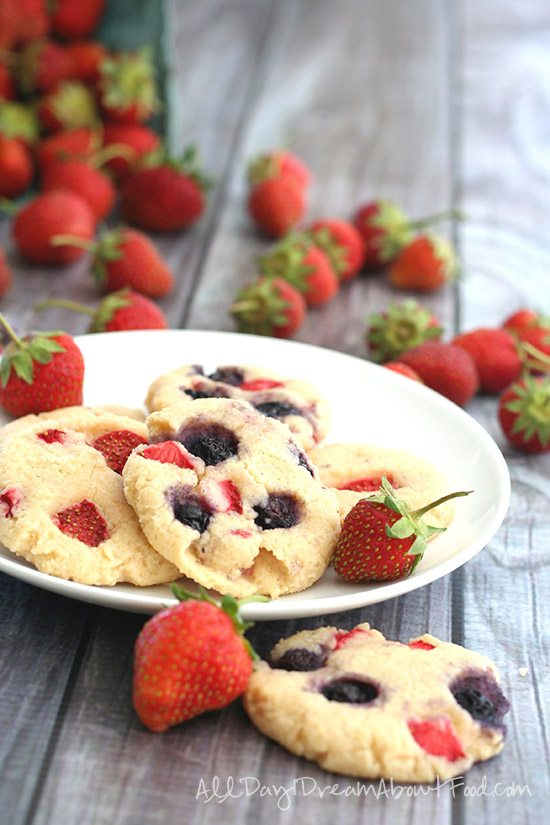 Low Carb Cream Cheese Cookies with Strawberries and Blueberries