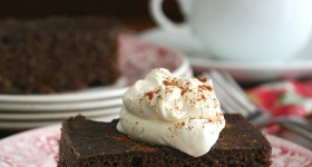Low Carb Slow Cooker Gingerbread Cake