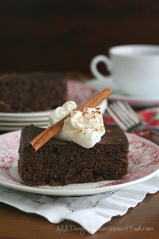 Low Carb Crock Pot Gingerbread Cake