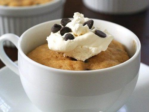 Peanut Butter Chocolate Chip Mug Cakes