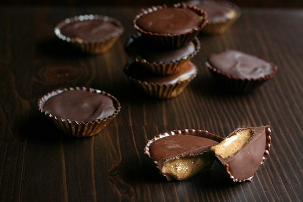 Low carb chocolate cups filled with creamy sugar free cookie butter