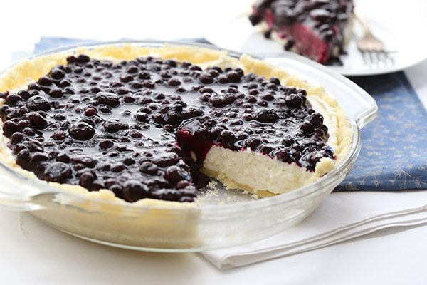 Keto blueberry cheesecake in a pie pan