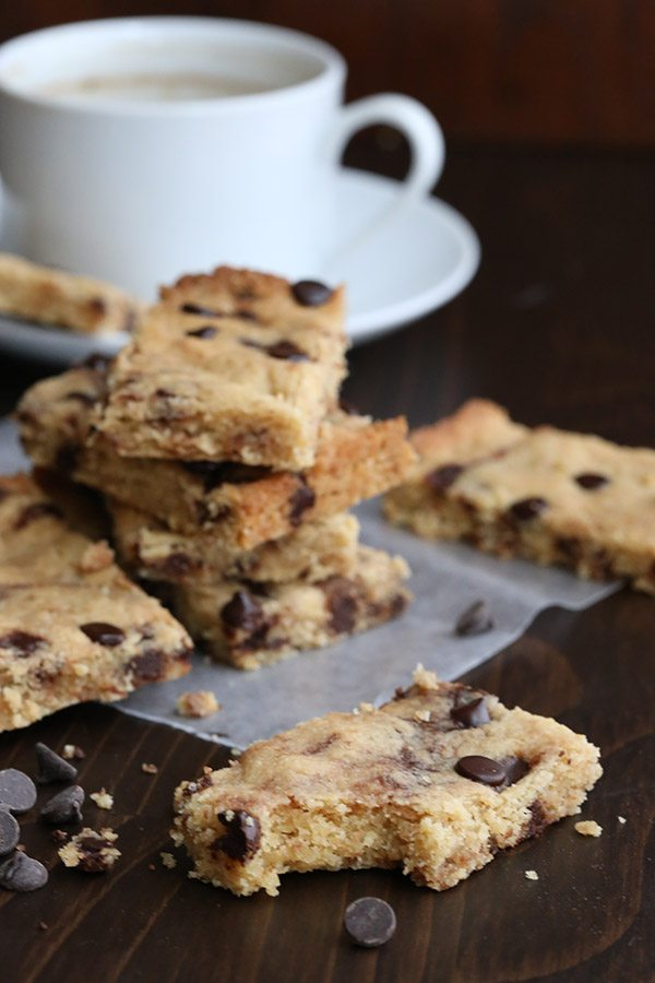 Chewy tender low carb browned butter blondies with sugar-free chocolate chips