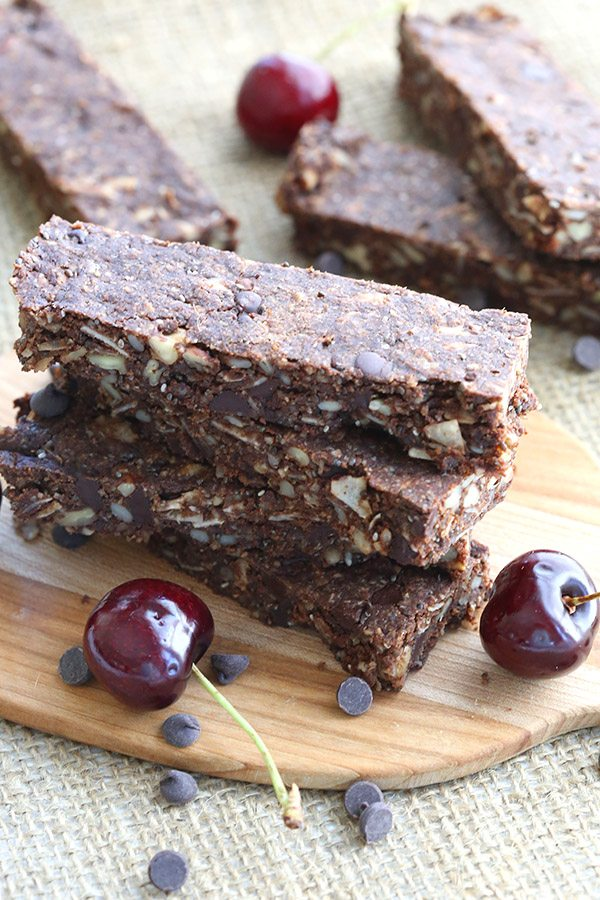 Low Carb Chocolate Cherry Granola Bars