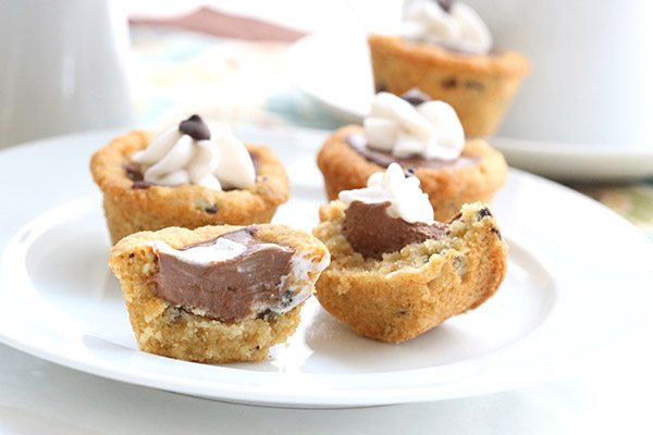 Low carb chocolate chip cookies filled with delicious chocolate pudding. A fun healthy dessert for kids!