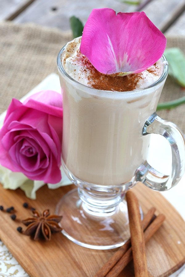Low carb iced chai tea latte with rose water