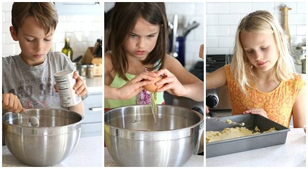 Kids making low carb pan pizza