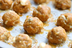 The perfect low carb game day appetizer. Buffalo Chicken Sausage Balls