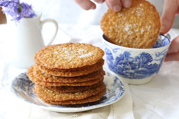 These low carb coconut almond crisps are thin little biscuits perfect with your morning coffee or your afternoon tea. Low carb recipe.
