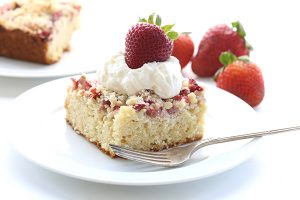 Low Carb Strawberry Rhubarb Crumb Cake