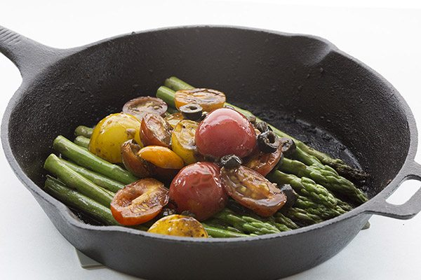 Low Carb Pan Seared Asparagus with Tomatoes and Olives
