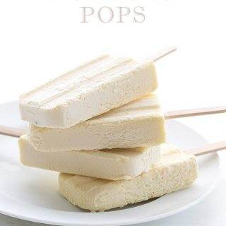 Easy low carb vanilla pudding popsicle recipe. A delicious keto summer recipe!