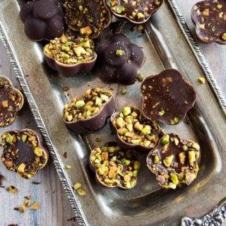 Easy keto chocolate recipe. LCHF Banting THM