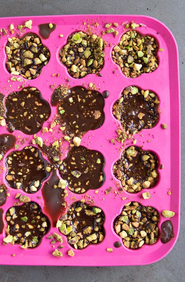 Easy low carb chocolates recipe. These homemade pistachio chocolates will have you coming back for more!