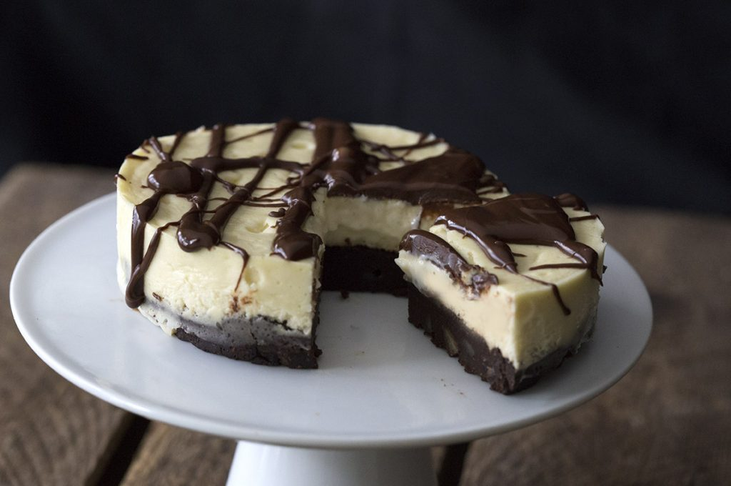 Mini low carb grain-free Chocolate Brownie Cheesecake recipe.