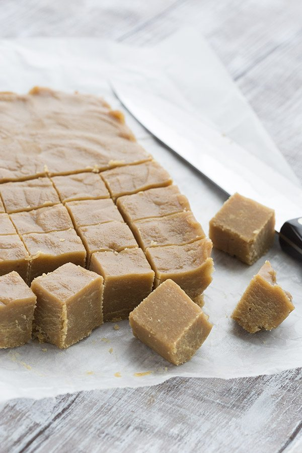 Delicious keto peanut butter fudge made without any cream cheese. This stuff is to die for!