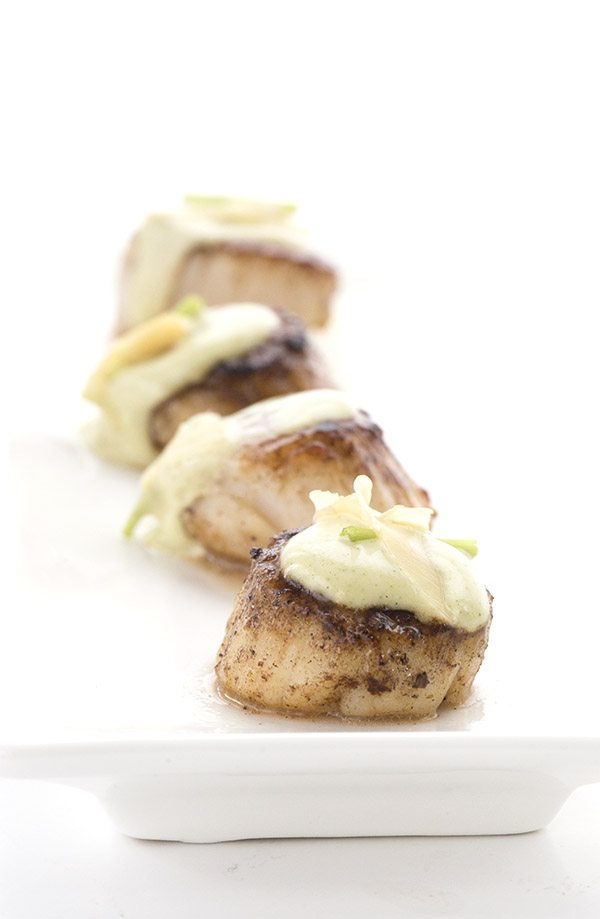 Delicious butter seared scallops with a spicy wasabi mayo. A delicious keto meal or appetizer.