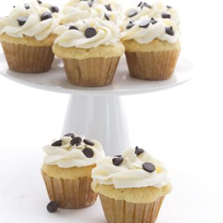 Mini Cannoli Cupcakes