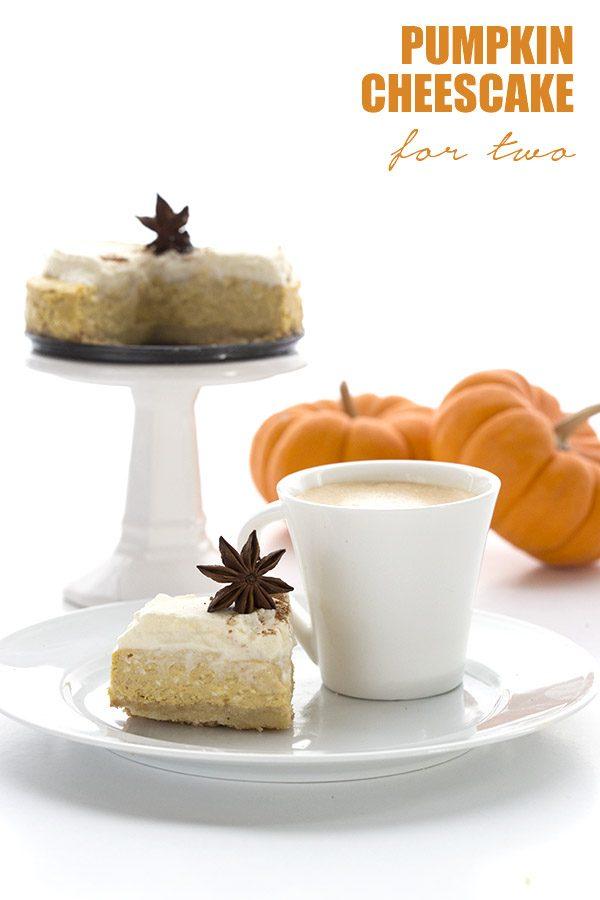 Mini Low Carb Pumpkin Cheesecake Recipe #lowcarb #sugarfree #keto #pumpkincheesecake