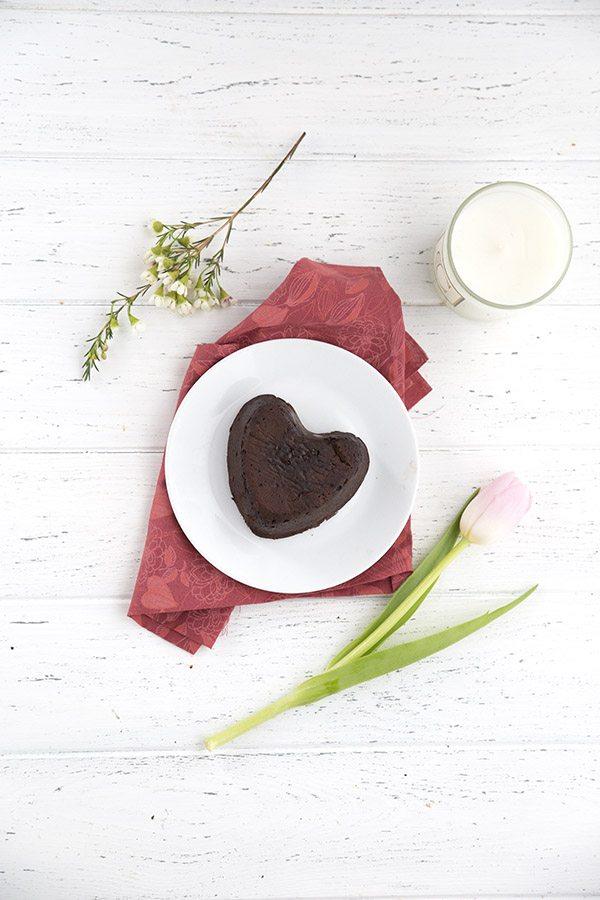 5 Ingredient Keto Chocolate Torte