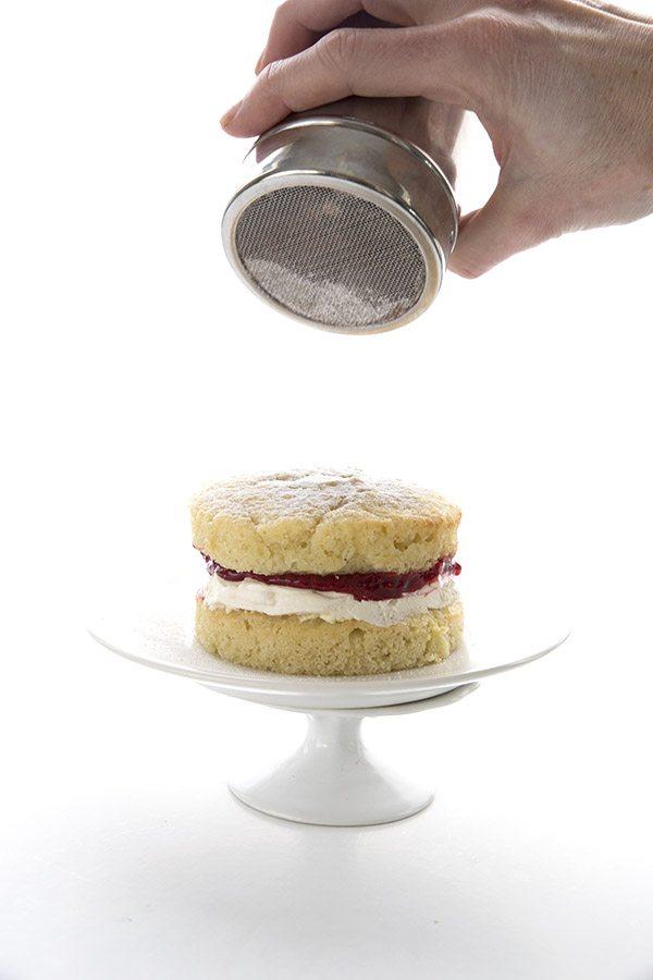 Sponge Cake Giggle