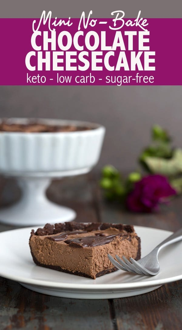 Easy keto chocolate cheesecake recipe. This delicious mini no-bake cheesecake serves 2 to 4 people and comes together in 20 minutes! No need to turn on your oven and no special ingredients. Sugar-free and grain-free. #lowcarb #lowcarbrecipes #ketodesserts #chocolatecheesecake #smallbatch