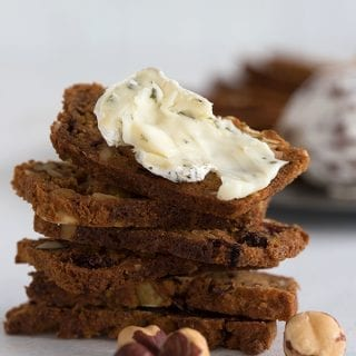 Low carb cranberry hazelnut crisps with cheese spread