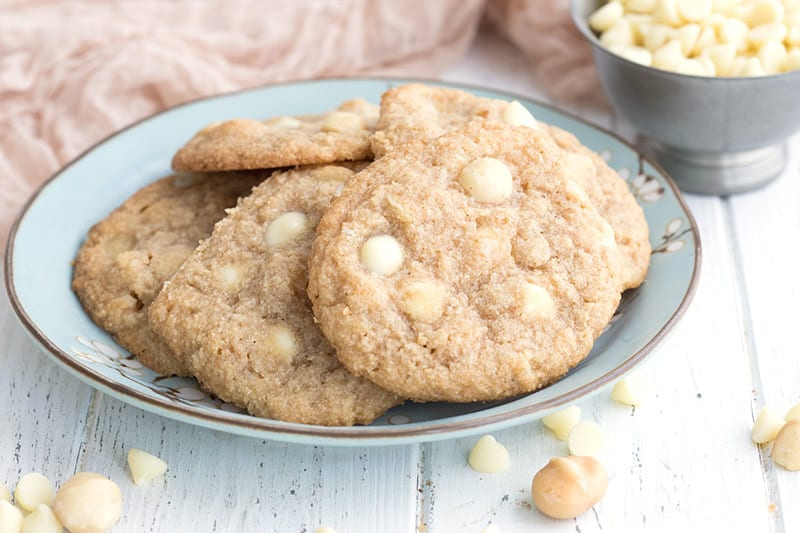 Low carb white chocolate cookies in a blue bowl